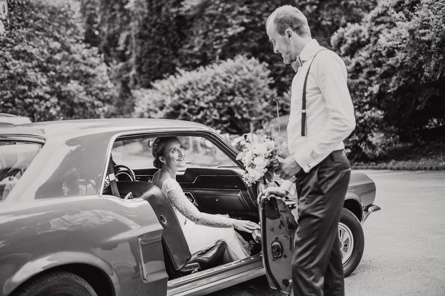 Brautpaar Mustang Shooting