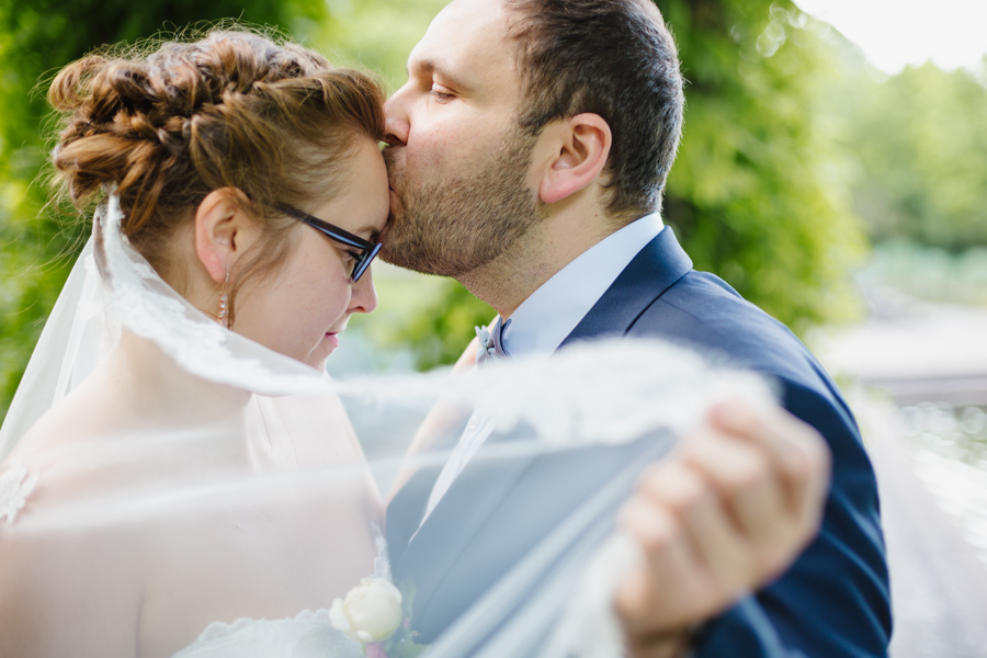 Hochzeitsshooting Brautpaar Schleier