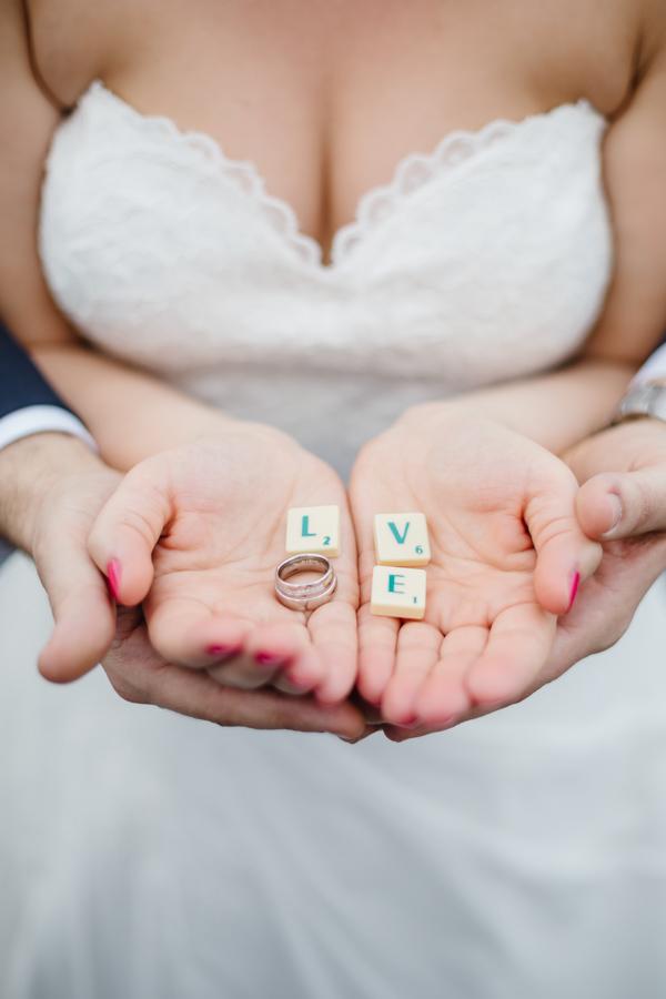 Brautpaar Love Eheringe