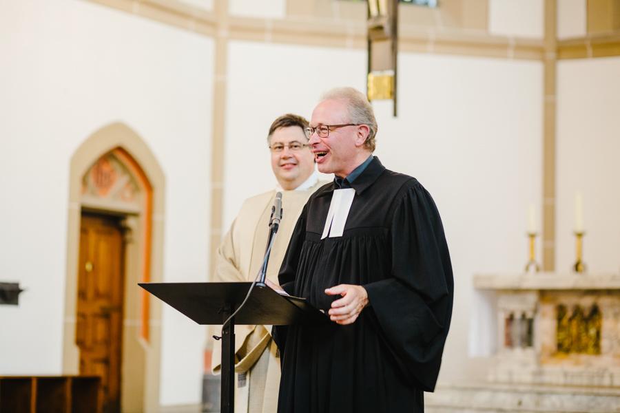Kirche Pfarrer