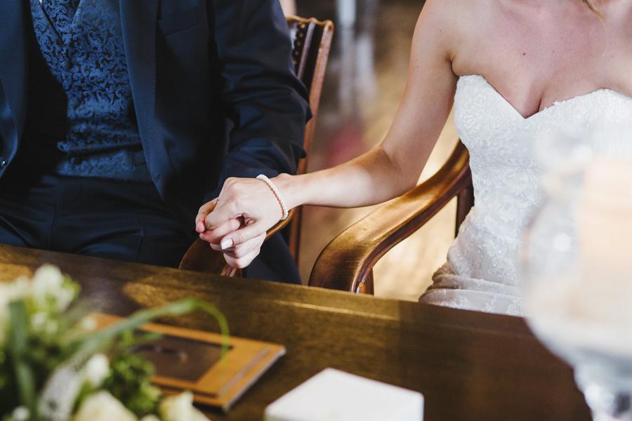 Hände Brautpaar