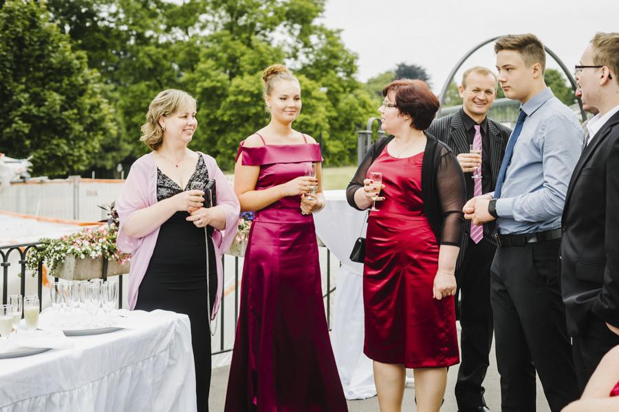 Gäste Sektempfang