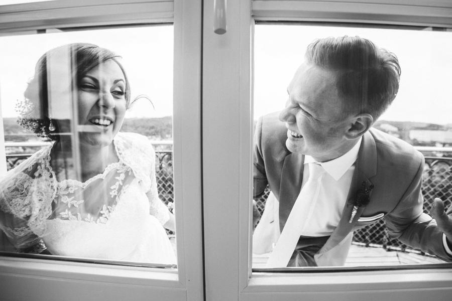 Brautpaar Grimassen