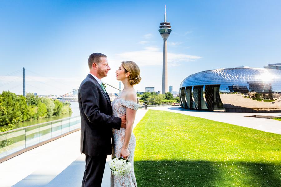 sonnige Hochzeit