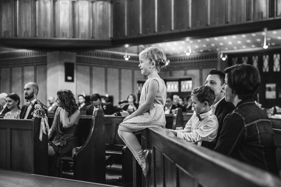 Kind bei der Trauung